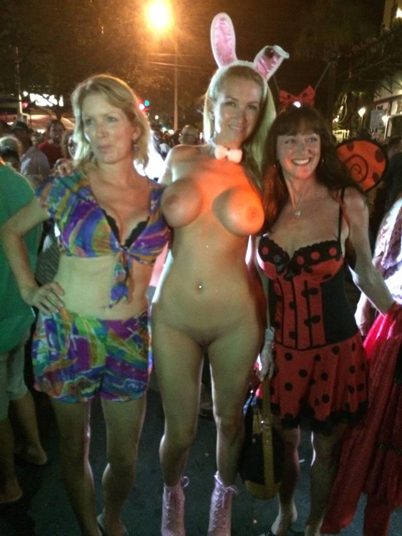 Halloween nude sex scene