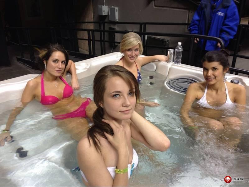 Tub Girls